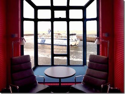 Harbour Crane Hotel 2