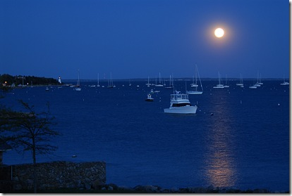 Monday_Moon_over_Mattapoisett